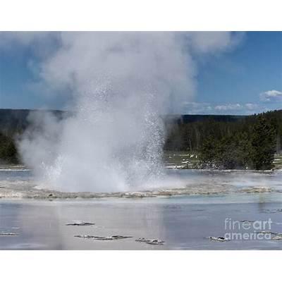 Great Fountain Geyser Photograph by Carolyn Fox