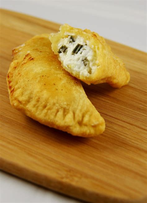 empanadas au fromage de ch 232 vre frais mangez moi