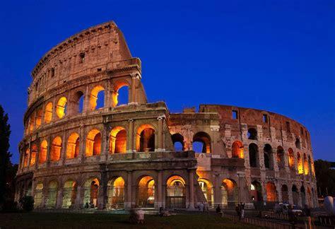 The Roman Colosseum  Italy  Famous Destinations