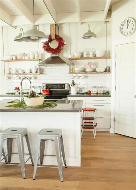 Holiday Decor   Contemporary   Kitchen   Columbus   by