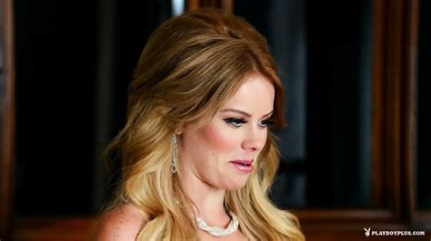 Amazing Blonde Shows Body EPORNER