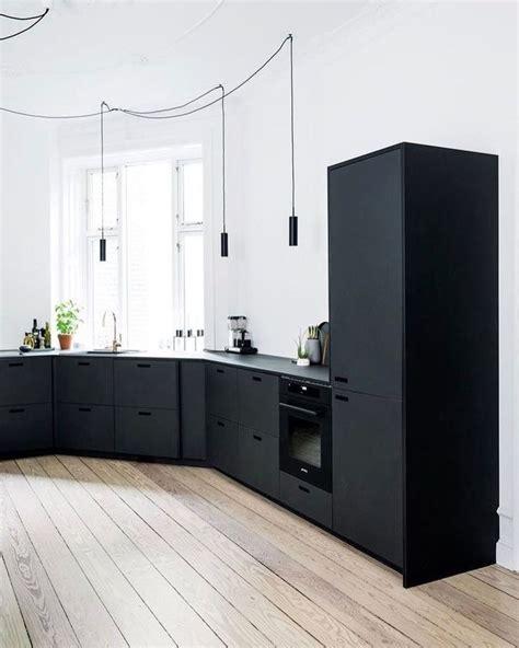 light kitchen cabinets 25 best ideas about black kitchen decor on 3747