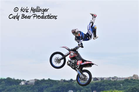 red bull freestyle motocross red bull tnt rockets red daredevil freestyle motocross