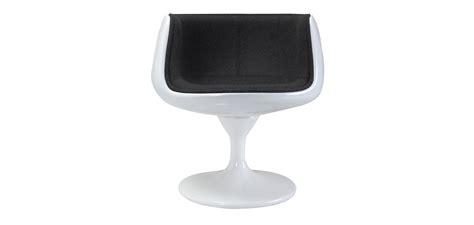 chaise coque blanche chaise cognac style eero aarnio tissu coque blanche