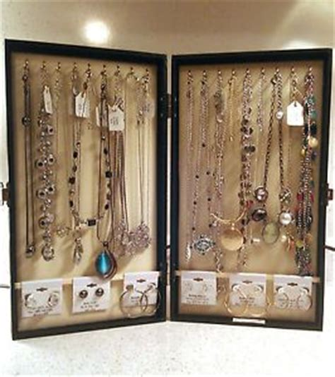 portable carrying jewelry display cases travel showcases
