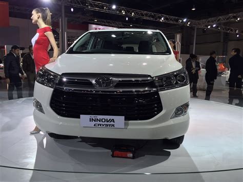 Toyota Car : 2016 Toyota Innova Crysta Launch, Price, Specifications