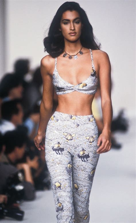 yasmeen ghauri photo gallery page  theplace