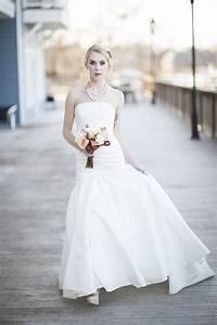 should you wear a necklace with a strapless wedding dress With wedding dress necklace