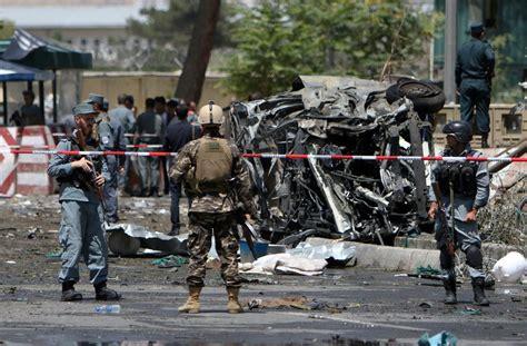 کابل, kābūl) ist die hauptstadt afghanistans. Afghanistan: Fünf Tote bei Anschlag am Flughafen Kabul ...