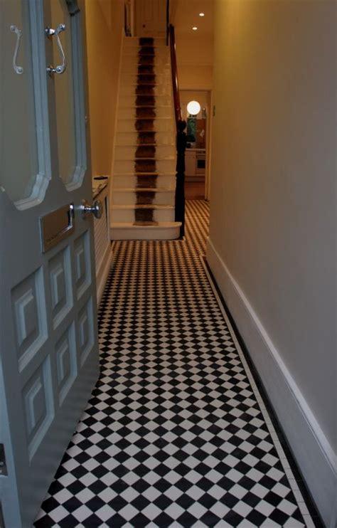 Fliesen Legen Schmaler Flur by 25 Best Ideas About Tiled Hallway On