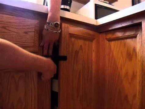 Multiuse LockingStraps Latch for Lazy Susan   YouTube