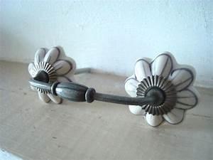 Bouton De Tiroir Vintage : poign e de meuble style r tro id ale pour des tiroirs de commodes anciennes cette ~ Teatrodelosmanantiales.com Idées de Décoration