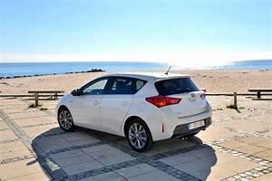 Avis Toyota Auris Hybride : toyota auris toyota auris 2me gnration ~ Gottalentnigeria.com Avis de Voitures