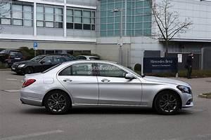 Class C : 2017 mercedes benz c class facelift spied in germany autoevolution ~ Gottalentnigeria.com Avis de Voitures