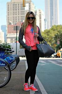 How to Look Fabulous in Yoga Pants u2013 Glam Radar
