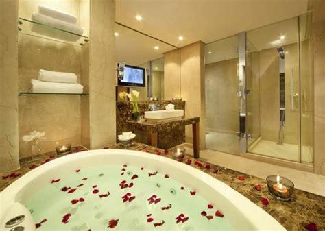 chambre avec baignoire chambre d 39 hôtel avec jaccuzi intérieurs inspirants et