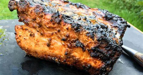 cuisiner au barbecue travers de porc au barbecue recette travers de porc au