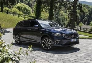 Fiat Tipo Noir : essai fiat tipo sw et 5 portes retour aux sources moniteur automobile ~ Medecine-chirurgie-esthetiques.com Avis de Voitures