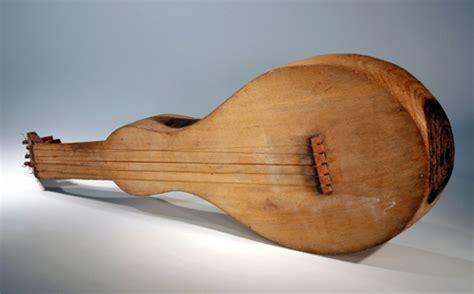 Ladario Viola by A Casa Museu Do Objeto Brasileiro