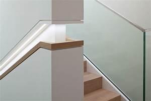 Treppenhaus Beleuchtung Wand : integrierte beleuchtung im handlauf ~ Eleganceandgraceweddings.com Haus und Dekorationen