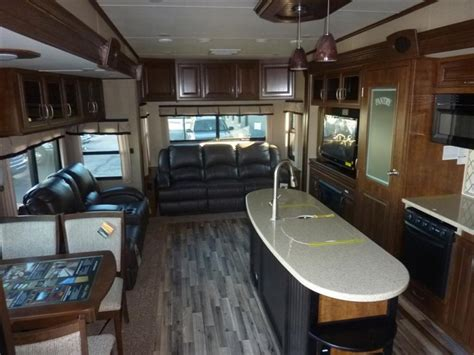solitude 5th wheel interior features all about cers