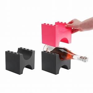 Porte Bouteille Vin Original : retour en enfance avec le porte bouteille l go wine 39 s up ~ Dode.kayakingforconservation.com Idées de Décoration