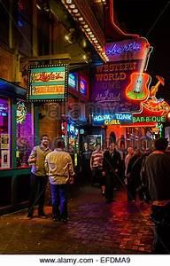 Famous Country Music Bars And Restaurants Broadway In