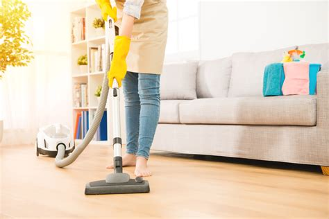 vacuum cleaner for laminate floors best vacuum for laminate floors these actually work top 5 pick