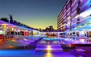 Party Hotel Ibiza : ushuaia club hotel review playa d 39 en bossa ibiza spain travel ~ A.2002-acura-tl-radio.info Haus und Dekorationen