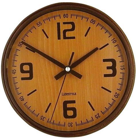 horloge r 233 tro murale coloris bois clair