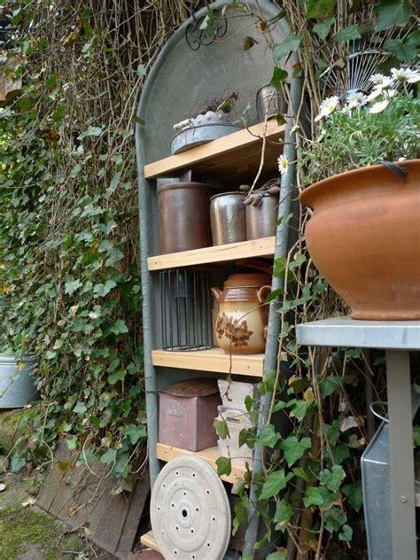Badewanne Bepflanzen Im Garten by Alte Zinkwanne Als Gartenregal Garten Badewanne Garten