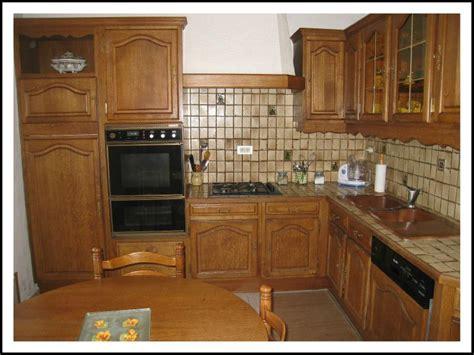customiser une cuisine en chene vue d 39 ensemble de la cuisine en chêne photo de une