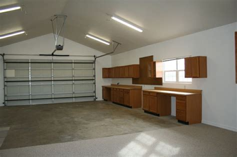kitchen cabinets   garage  alwasy  good