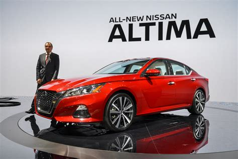 2019 Nissan Altima Video First Look 2018 New York Auto Show