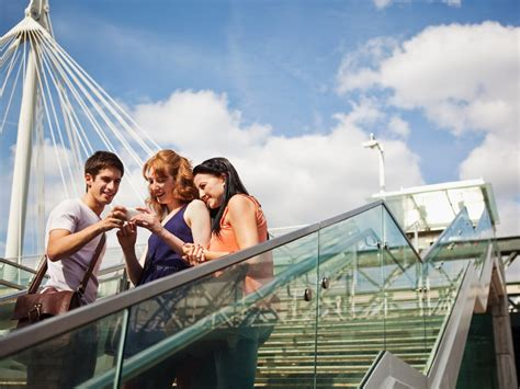 Travel Apps That Can Replace Your Tour Guide - Condé Nast ...