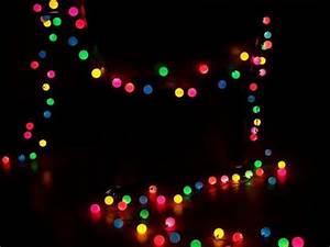 Guirlande De Lumière : fabriquer une guirlande lumineuse avec des balles de ping pong blog conseils astuces bricolage ~ Teatrodelosmanantiales.com Idées de Décoration