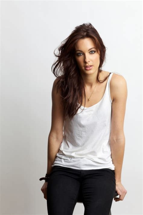 russell brand s new girl emily hartridge i don t even fancy him exclusive