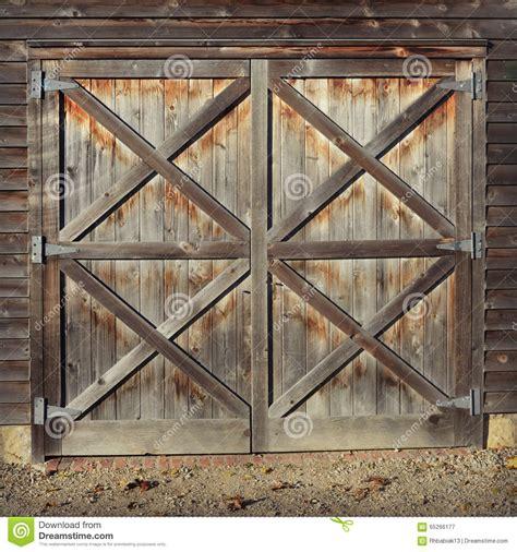 rustic barn doors rustic barn doors stock photo image 65266177
