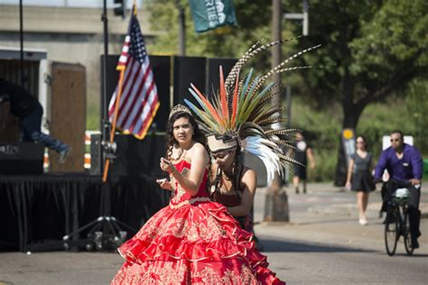 Preparing for Mexican Independence Day celebration | Flickr
