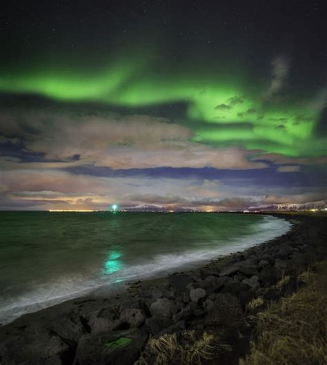 northern lights tours the elusive northern lights guided tour guide to iceland