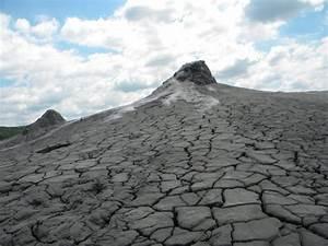 Vulcanii Noroiosi  Muddy Volcanoes    Berca  Romania   Address  Top