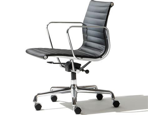 Designer Lounge Chair Eames Aluminum Group Management Chair Hivemodern Com