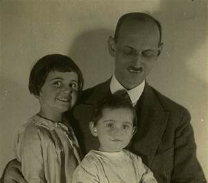 The gallery for --> Anne Frank Family