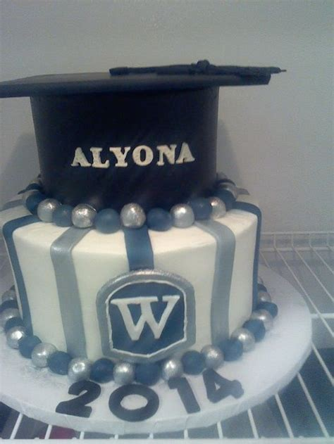 images  graduation cakes  pinterest
