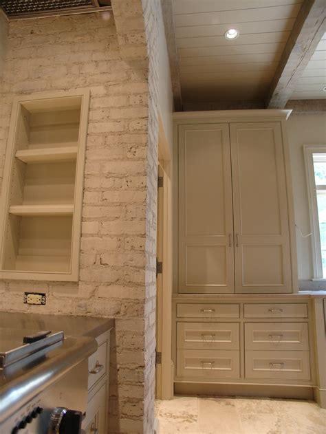 romabio limewash paint application  bricks ceiling