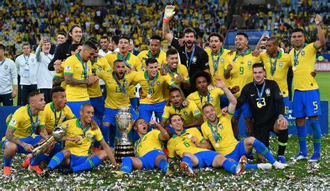 Brazīlijas futbola valstsvienība pirmo reizi 12 gados ...