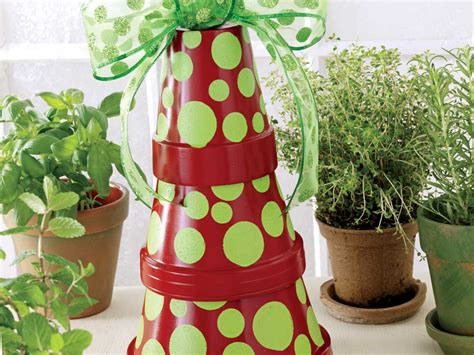turn terracotta pots  christmas trees