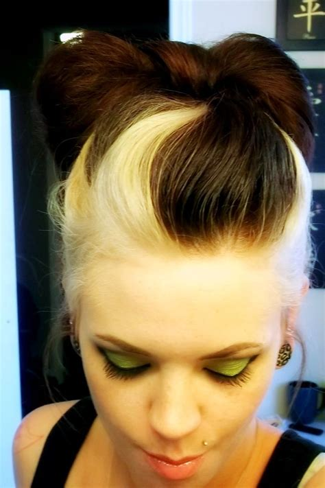 Toned Hair by Best 25 Two Toned Hairstyles Ideas On Hair