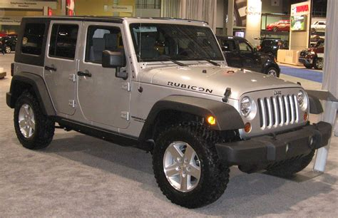 White Jeep Wrangler Unlimited Lifted