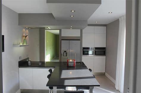 faux plafond cuisine design davaus cuisine design faux plafond avec des idées